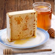Мёд в сотах рамка бол.